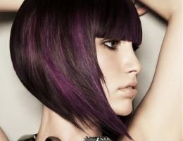 Félhosszú női frizura